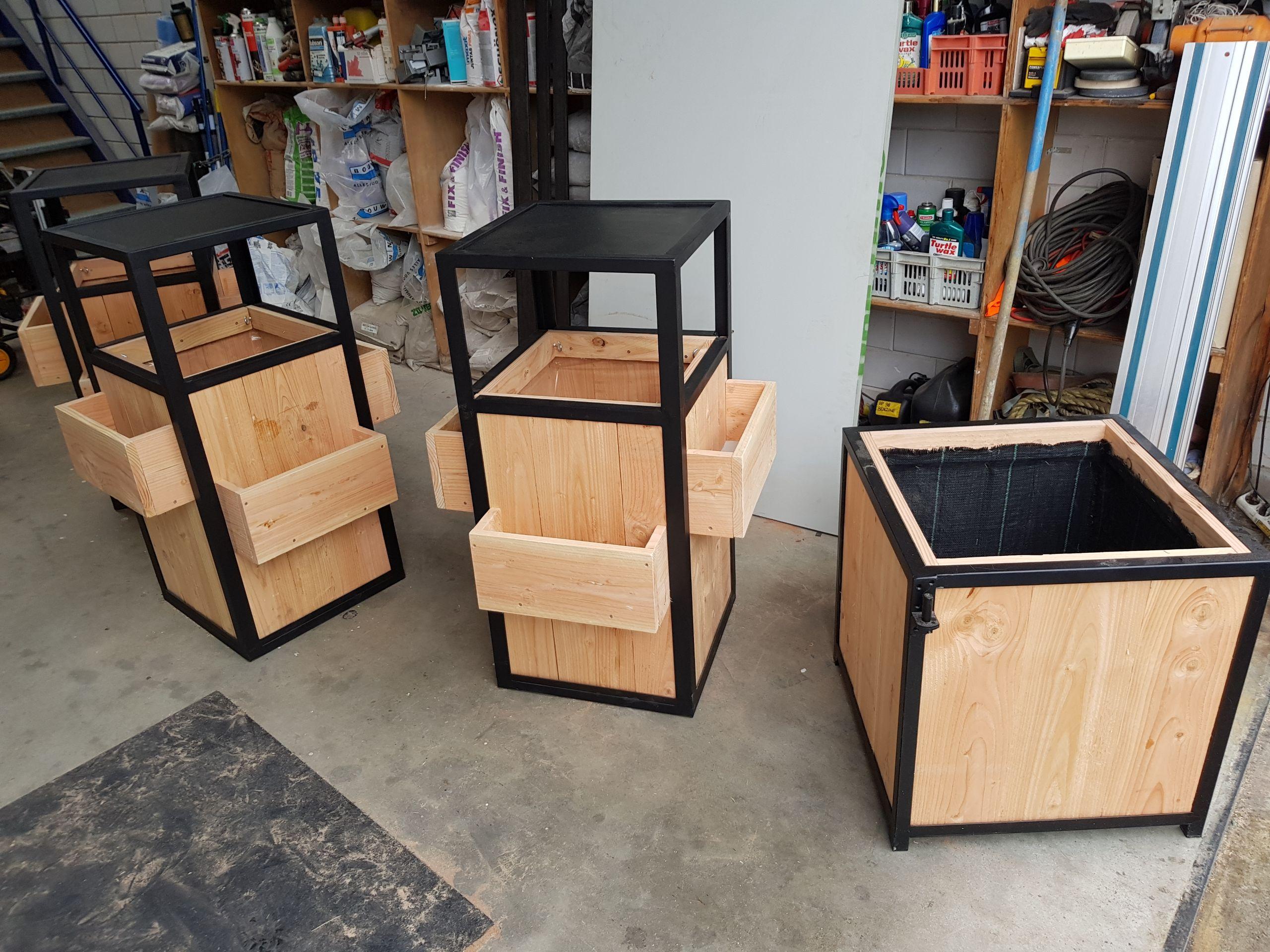 Genoeg Douglas houten/stalen prullenbak - Koplos Concepts WH08