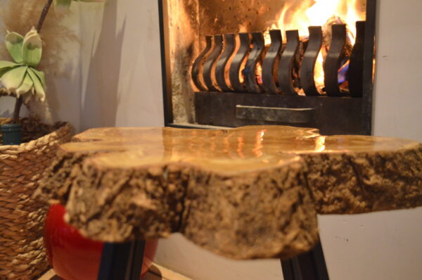 Boomstam Boomschijf Bijzettafel Salontafel Natura epoxy hout staal