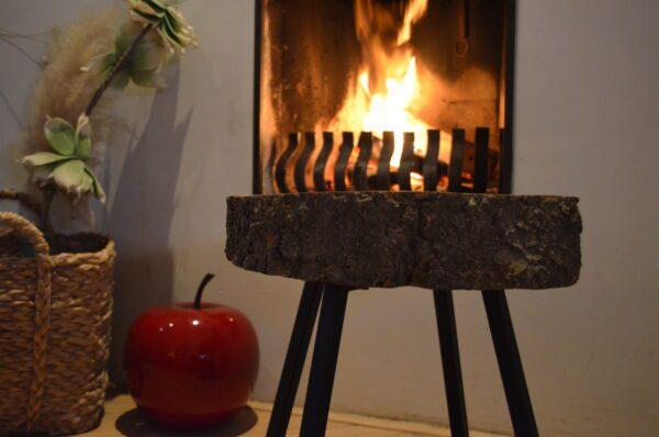 Essen bijzet boomstam tafel kruk stalen frame zijkant blad