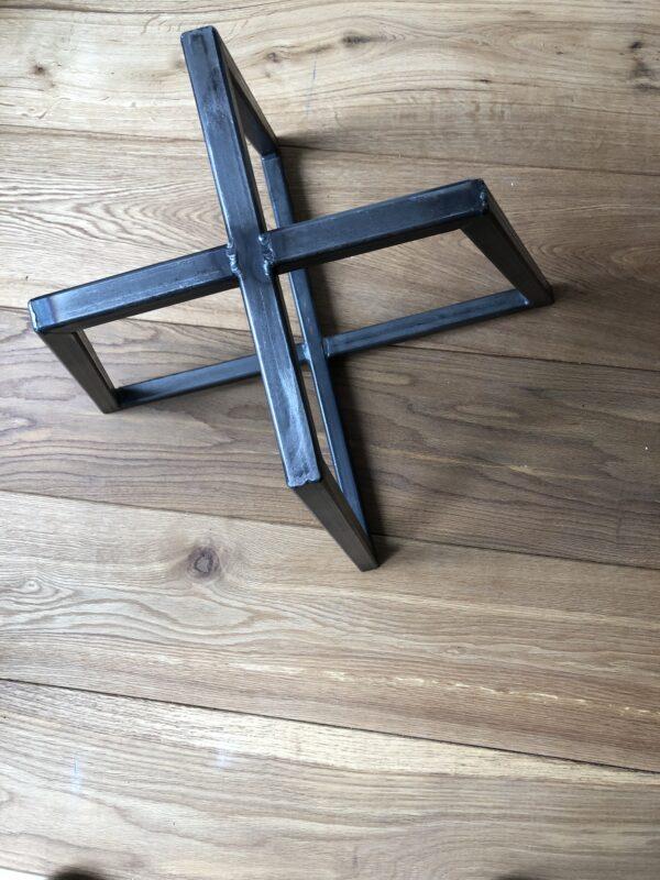Stalen-onderstel-tafel-steel-frame-table-no-coating