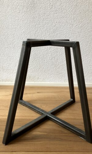 Stalen-onderstel-tafel-steel-frame-table-no-coating