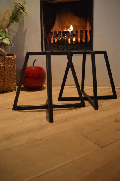 Stalen vier frame tafel zwart staal